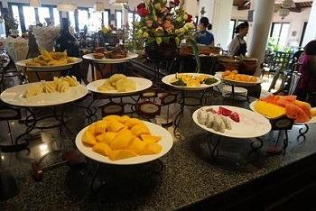 朝食 ヴィクトリアホイアン フルーツビュッフェ