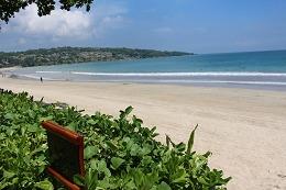 インターコンチネンタル バリ リゾート ホテル前のビーチ