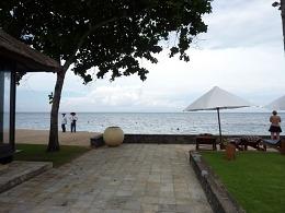 タンジュンベノアの海