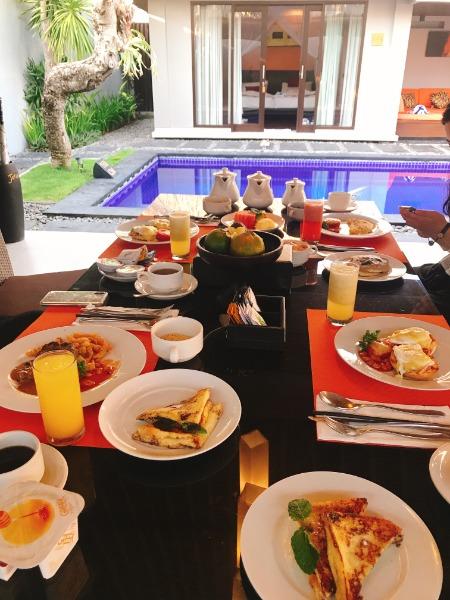 天気も良く清々しい朝にとっても優雅な朝食でした