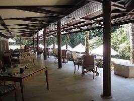 フォーシーズン リゾート バリ アット サヤン リバーサイドカフェ