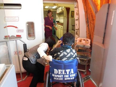 ガルーダインドネシア航空 車椅子での搭乗