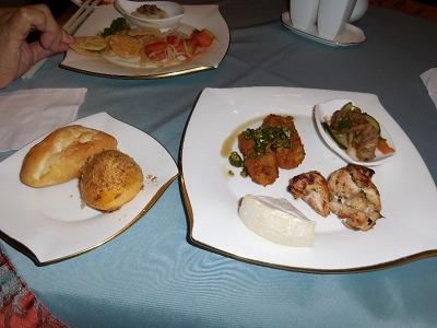 アヤナ リゾート&スパ バリ クラブラウンジ 夕食前のオードブル-1