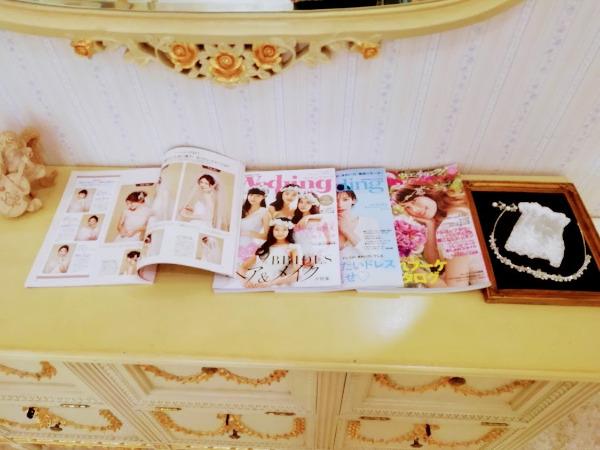 ※日本の雑誌などもあり、流行りのイメージ写真を見ながら伝えられます。