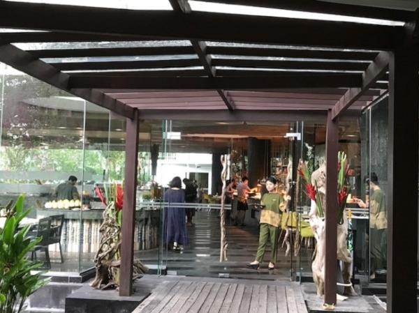 リンバ・ジンバラン・バリbyアヤナ 朝食会場