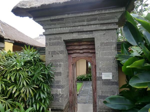ザ・ヴィラズ・アット・アヤナ・リゾート・バリ 1ベッドルームオーシャンビュープールヴィラ 入口
