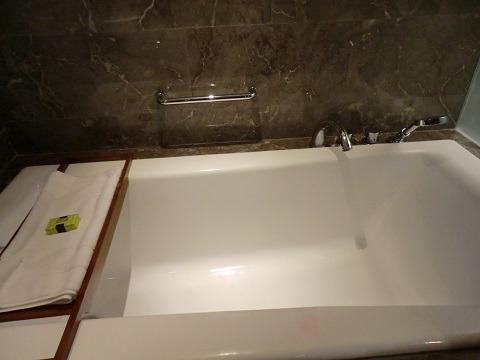 インターコンチネンタル バリ リゾート バスタブ