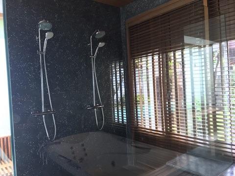 1ベッドルームロイヤルコートヤードヴィラ シャワールーム
