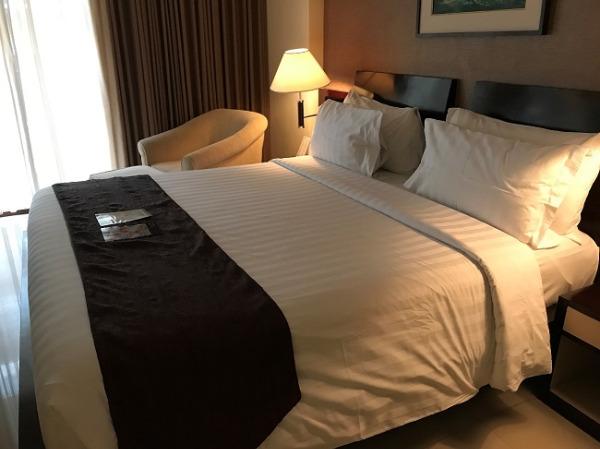 アストン クタ ホテル&レジデンス プレミアスイート ベッドルーム