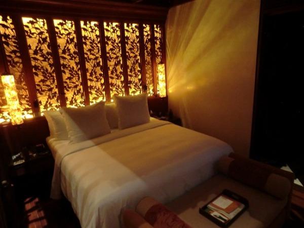 フォーシーズンズ リゾート バリ アット サヤン デュープレックススイート ベッドルーム