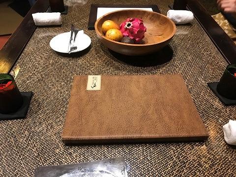 2ベッドルームプールヴィラ ダイニングテーブル