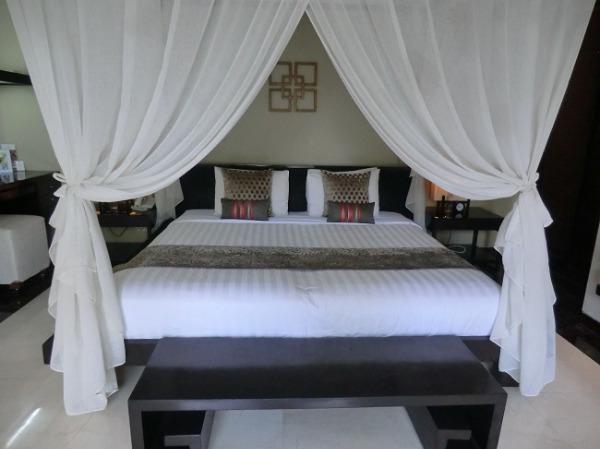 ヴィラ アイル バリ 1ベッドルームラグジュアリープールヴィラ ベッドルーム