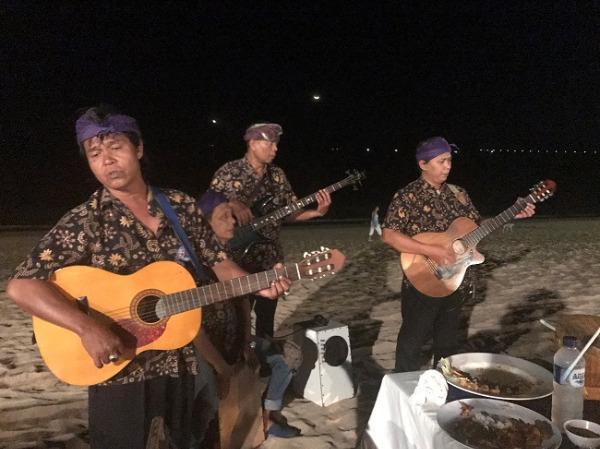 ジンバランカフェ バンド演奏