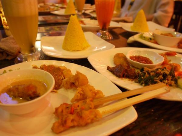 クマンギレストラン インドネシア料理