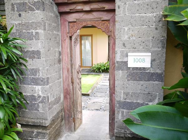 ザ・ヴィラズ・アット・アヤナ・リゾート・バリ ヴィラ入口