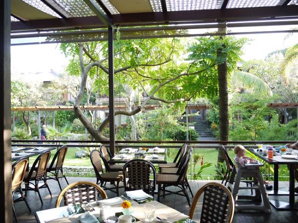 パドマリゾート レギャン 朝食レストラン