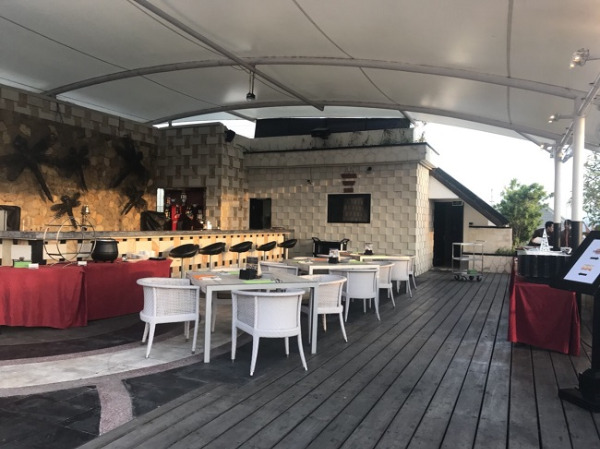 アストン クタ ホテル&レジデンス サンセットバー