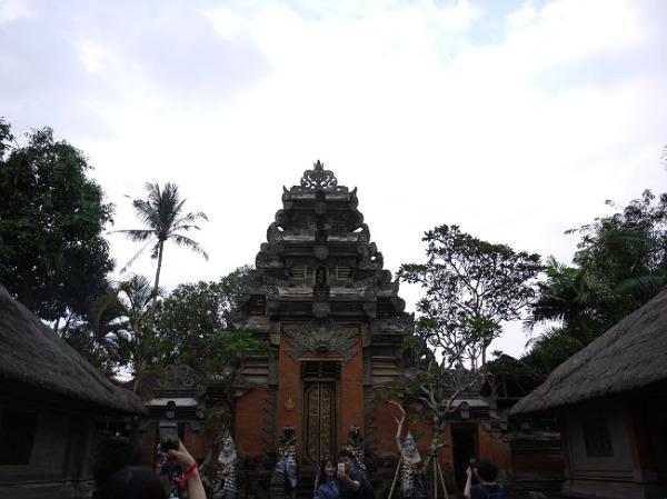 バリ島の歴史を感じる建物