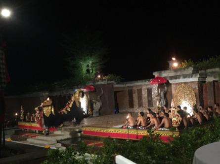 カンポンバリ ケチャダンス