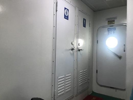 ボホール島行きフェリー トイレ