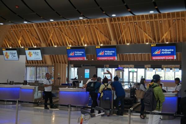 セブ・マクタン国際空港 チェックインカウンター