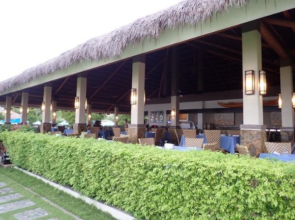 ボホールビーチクラブ 朝食会場となるレストラン