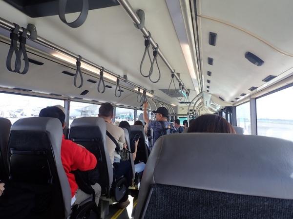 マニラ空港 国内線ターミナルビルからの移動バス