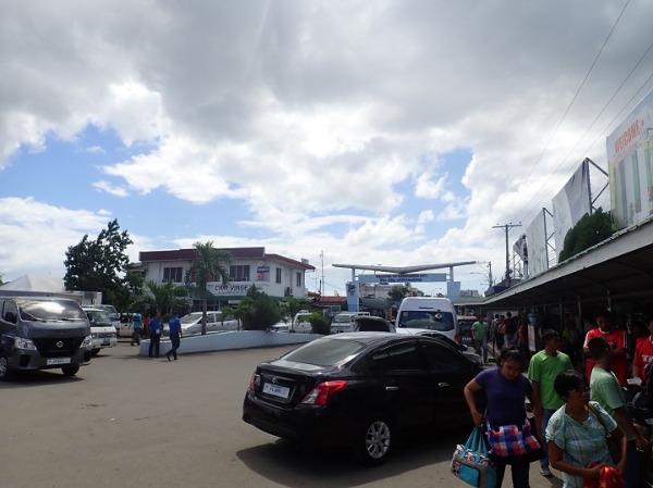 ボホール タグビララン空港 出口