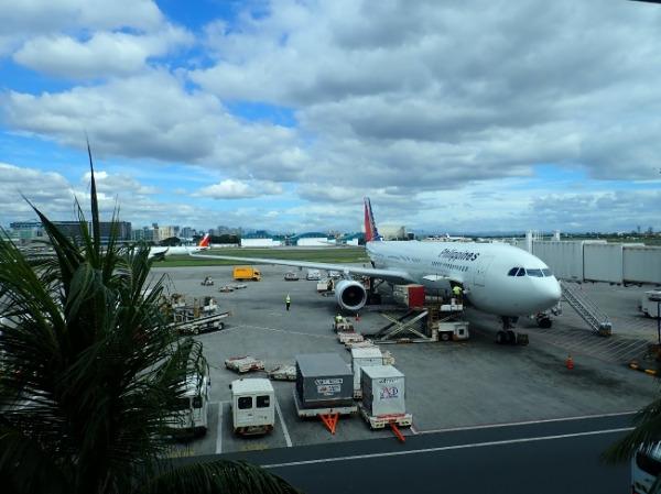 フィリピン マニラ空港到着