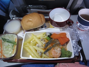 フィリピン航空 PR479便 機内食