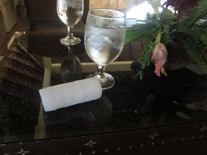 プルクラ 冷たい水とおしぼり