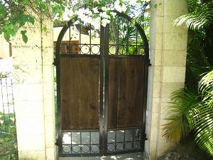 プルクラ ラグーンスイート 入口のドア