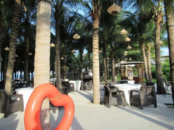 ココナッツビーチ BBQ&レストラン
