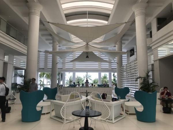 モーベンピック セブ リゾート&スパ ロビー