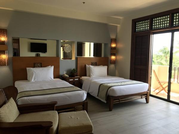 コスタベラ・トロピカル・ビーチ・ホテル プレミアデラックスプールサイド ベッドルーム