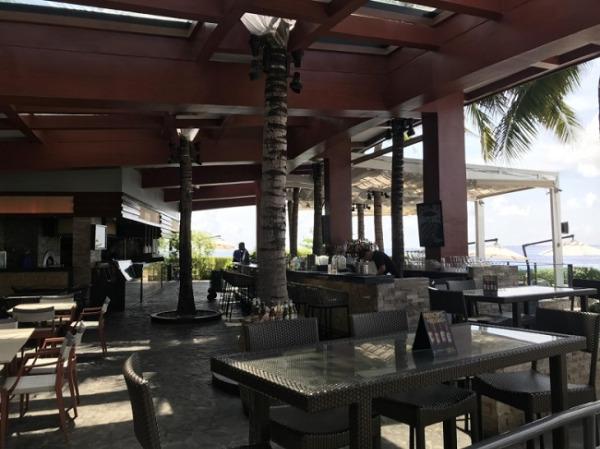 クリムソン リゾート&スパ マクタン 「アズールビーチクラブ」