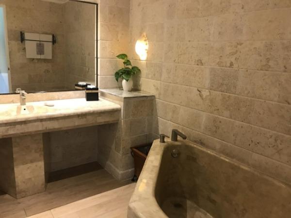 ウォーターエッジ バスルーム