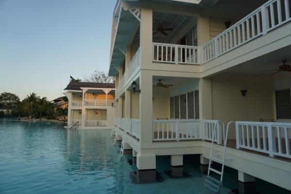 プランテーション ベイ リゾート&スパ ウォータエッジ ハシゴがあるお部屋
