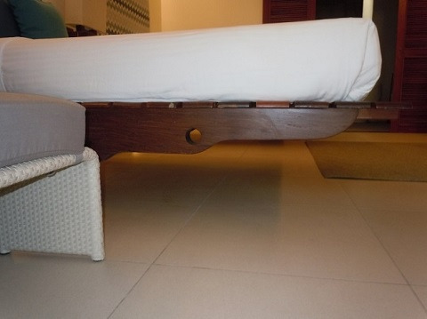 プレミアデラックスルーム 宙に浮いているみたいなベッド