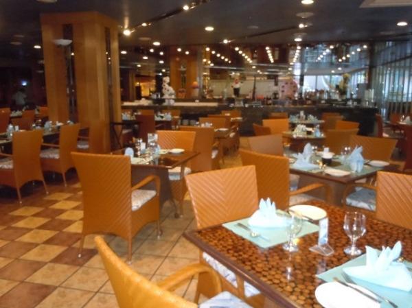 Jパークアイランドリゾート&ウォーターパーク レストラン「アバロン」