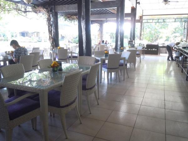 セブ ホワイトサンズ メインレストラン「パティオガビノ」(朝食会場)
