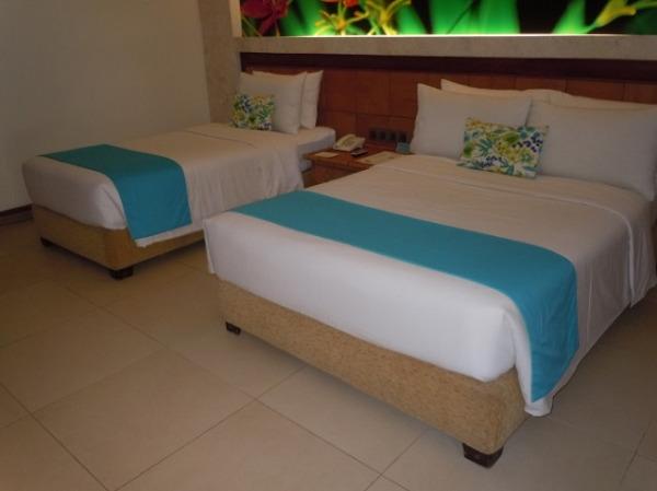 コスタベラ・トロピカル・ビーチ・ホテル デラックスプールサイド ベッドルーム