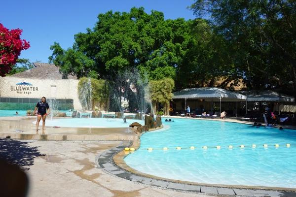 ブルーウォーター マリバゴ ビーチ リゾート プール