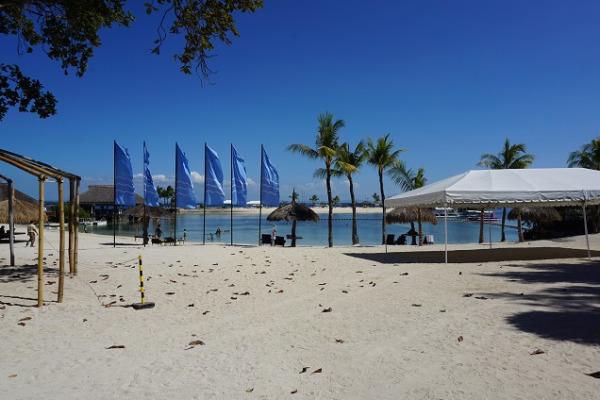 ブルーウォーター マリバゴ ビーチ リゾート プライベートアイランド