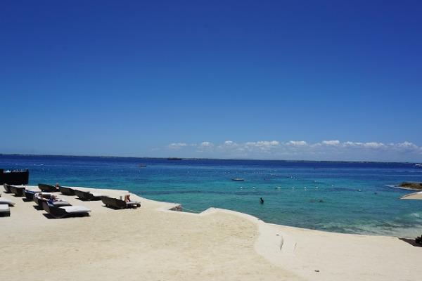 クリムソン リゾート&スパ マクタン 白砂ビーチ