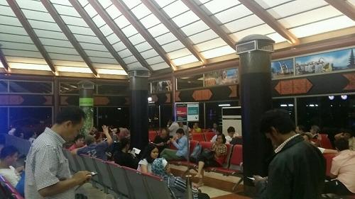 ジャカルタ空港 国内線搭乗待合ロビー