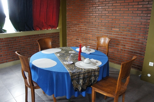 ジョグジャカルタ 「サワ レストラン」