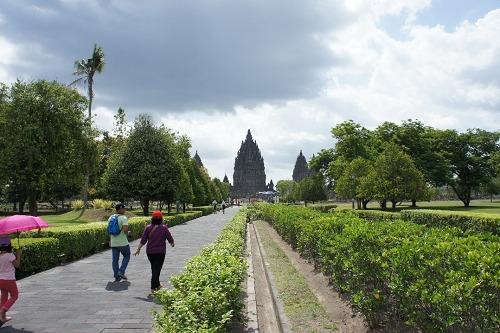 プランバナン寺院 入口