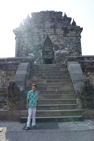 プランバナン寺院 近くの小さな寺院