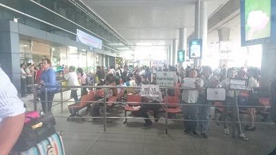 国際線ターミナル前、お迎えの待合場所